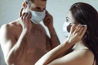 Coronasutra: el manual viral para el sexo en cuarentena