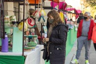 Museos y ferias para visitar en la capital - En la Plaza Pueyrredón (Bv. Gálvez 1600), las artesanas y artesanos ofrecen sus producciones sábado y domingo, de 10 a 18. -