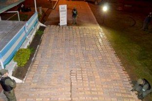 Encontraron 683 kilos de marihuana escondidos en un pastizal en Corrientes -