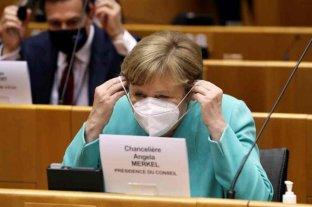 """Angela Merkel: """"La pandemia no puede ser combatida con mentiras y desinformación"""""""