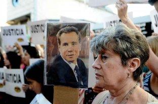 A 2000 días de la muerte de Nisman: un  final que sigue envuelto en el misterio  - A poco de su muerte se realizaron movilizaciones en todo el país pidiendo por justicia. Gran parte de la ciudadanía descreía de la teoría del suicidio. -