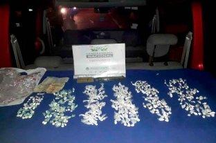 Detenido con 325 dosis de cocaína y municiones - Efectivos del Destacamento Móvil 2 detuvieron a un hombre que transportaba 129 gramos de cocaína lista para la venta en Rosario. -