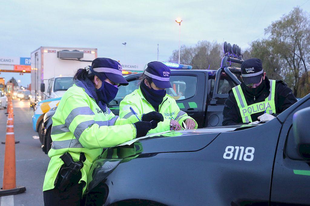 Más de 130 vehículos intentaron ingresar a la provincia sin permisos válidos -  -