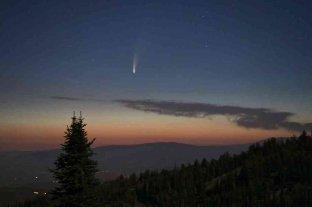 """Un nuevo cometa brinda un gran espectáculo al """"rozar"""" la Tierra"""