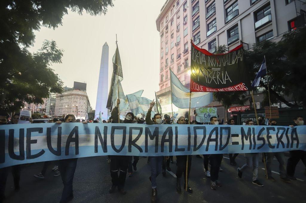 Banderazo del 9 de julio en la ciudad de Buenos Aires Crédito: Noticias Argentinas