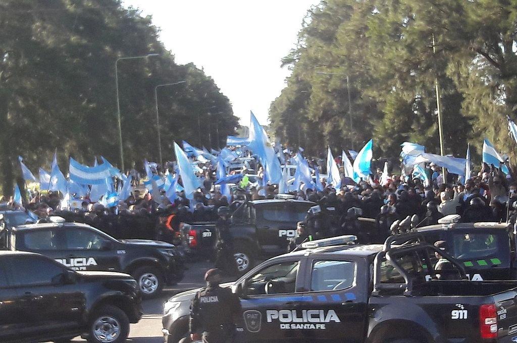 """El radicalismo de Avellaneda felicitó a los ciudadanos del norte santafesino por las """"manifestaciones pacíficas llevadas adelante con respeto y tolerancia; siendo un mensaje claro y contundente por parte de la comunidad a los autoritarios que pretenden silenciarla por la fuerza y el miedo"""". Crédito: Gustavo Capeletti"""