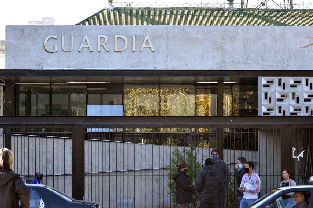 La mujer baleada fue atendida en el hospital Cullen. Crédito: Guillermo Di Salvatore