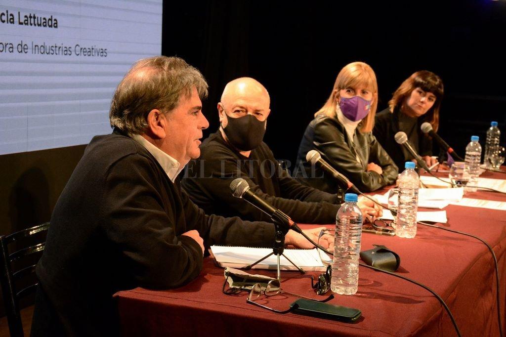 Jorge Llonch, Pichi De Benedictis, Alejandra Rodenas y Flor Lattuada, los que participaron presencialmente. Crédito:  Gentileza Ministerio de Cultura