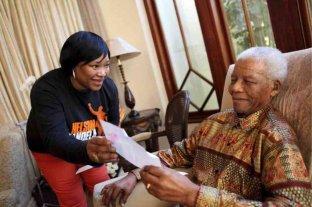 Murió Zindzi Mandela, la hija menor de Nelson Mandela