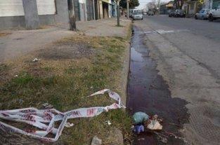 Asesinan de un balazo en el ojo a un joven en Rosario -  -