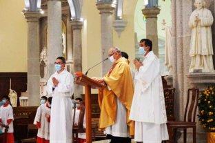 Imputan a fiel católico que armó marcha de protesta por recibir la hostia en la mano
