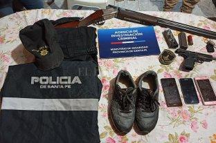 Cayó una banda que robaba con uniformes policiales