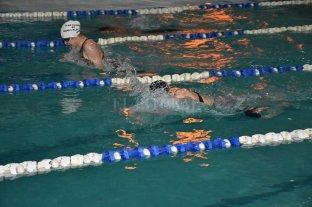 Desde este miércoles habilitan los natatorios  en Santa Fe  -  -