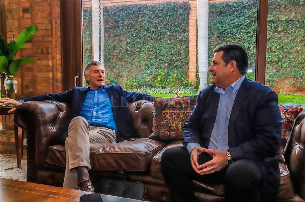 Junto a Cartés, ex presidente de Paraguay.  Crédito: Gentileza