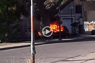 Se incendió una camioneta frente al estadio de Colón