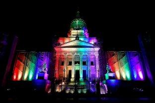 Por primera vez, el Congreso se ilumina con los colores de la diversidad -  -