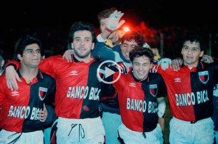 25 años de la goleada de Colón a Godoy Cruz y el pasaje a la final del octogonal -  -