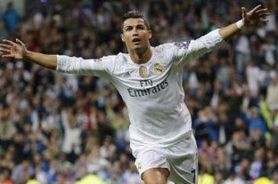 Cristiano Ronaldo les regaló camisetas a los médicos cubanos que viajaron a Italia