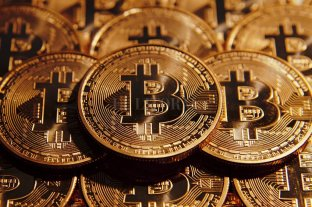 El valor del Bitcoin se desploma un 10%
