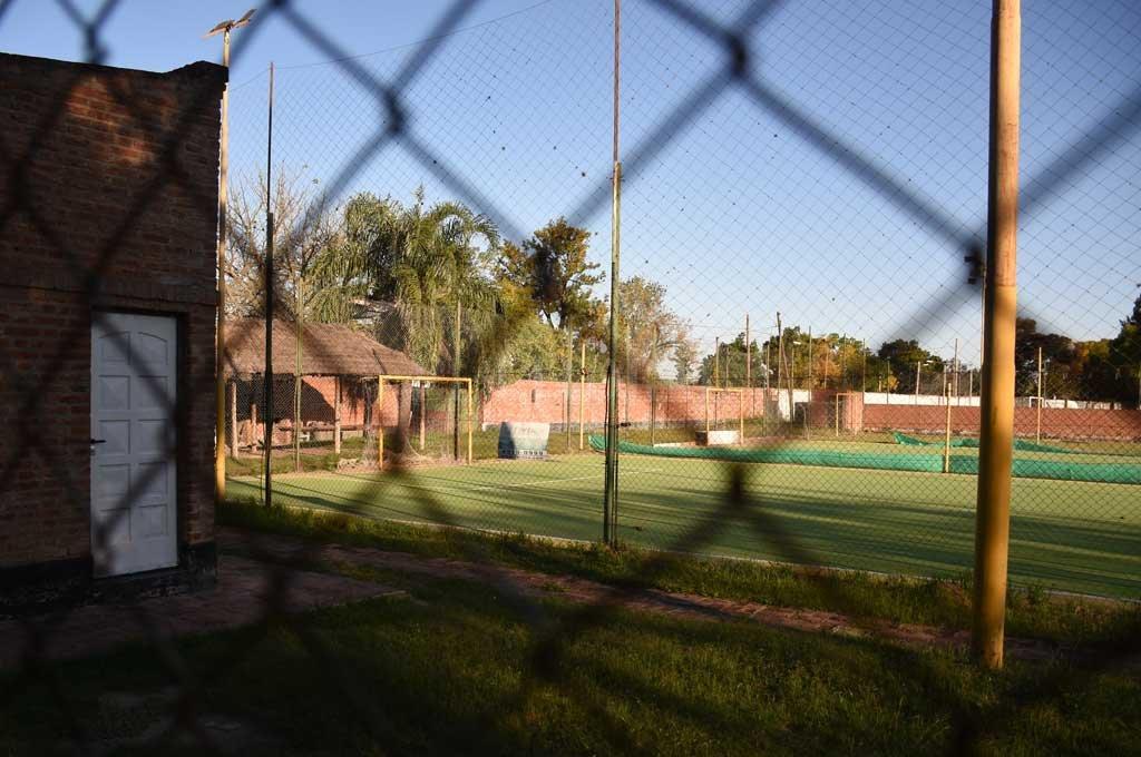 Por ahora siguen cerrados los complejos de fútbol 5 Crédito: Manuel Alberto Fabatía