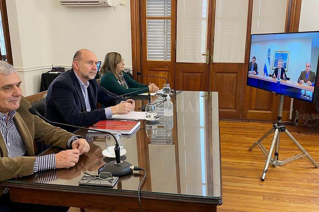 Teleconferencia entre el gobernador y el Presidente de la Nación. Crédito: Gentileza