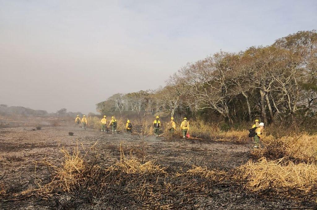 Bomberos controlan el fuego en zona de islas Crédito: Archivo El Litoral