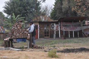 Preocupa a vecinos de barrio 7 Jefes un asentamiento en terrenos ferroviarios