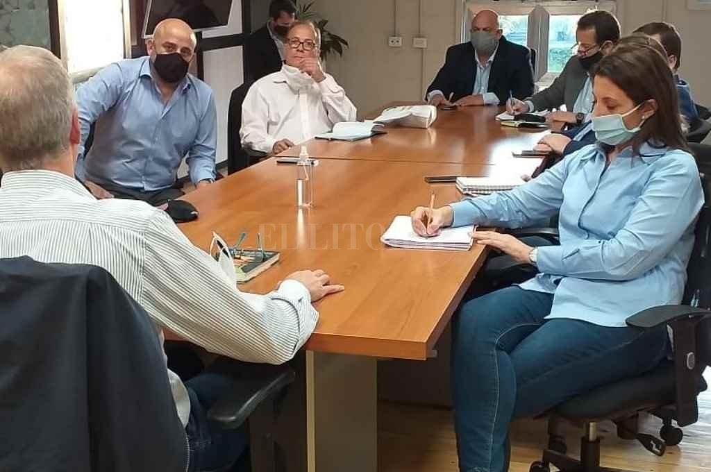 Los integrantes de la comisión estuvieron en Reconquista y Avellaneda para reunirse con actores de Vicentin, entre ellos el intendente de la segunda ciudad, Dionisio Scarpin.      Crédito: El Litoral