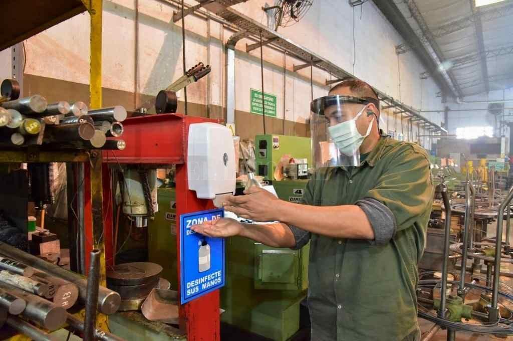 Según Fiel, la producción industrial se ubicó en un nivel similar a la del primer trimestre previo a la pandemia.     Crédito: Archivo El Litoral