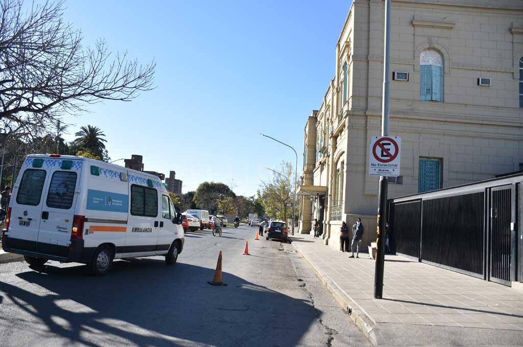 La mujer baleada quedó internada en el Cullen Crédito: Manuel Alberto Fabatía