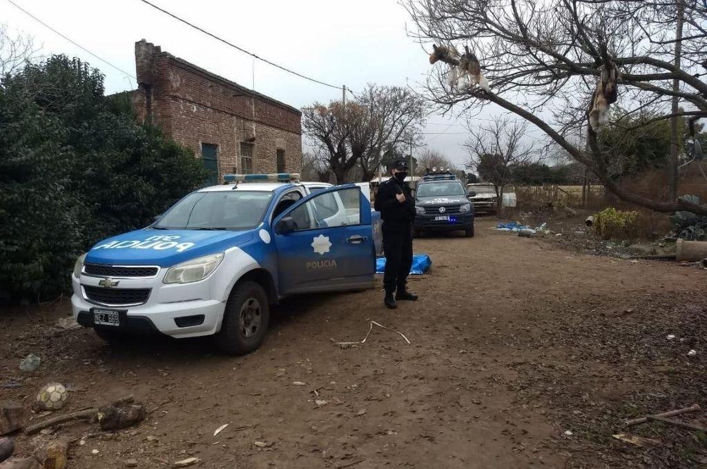 La policía secuestró cerca de 100 kilos de carne vacuna, elementos para faena y elaboración de productos alimenticios, armas de fuego y cartuchos Crédito: Archivo