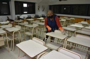 Comenzaron a limpiar las escuelas de la ciudad de Santa Fe