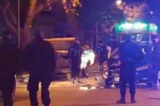 Lo perseguía la policía, chocó contra un patrullero y murió