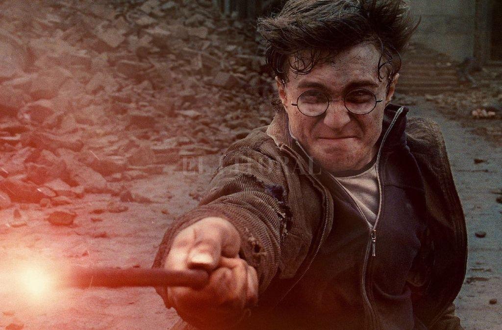 El actor Daniel Radcliffe en el papel del mago adolescente. Crédito: Warner