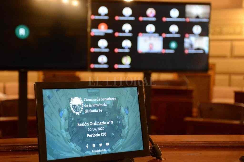 Un proyecto de ley Rubén Pirola prevé que durante la emergencia por el Covid-19 el transporte reciba beneficios del sector público provincial.     Crédito: Prensa Senado de Santa Fe