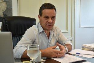 Clubes de barrio: González propone un plan para acompañarlos -  -