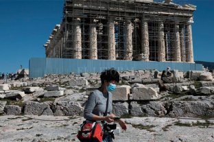 Grecia hace obligatorio el uso de tapaboca