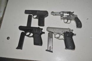 Diez armas de fuego secuestradas y once traslados a sede policial