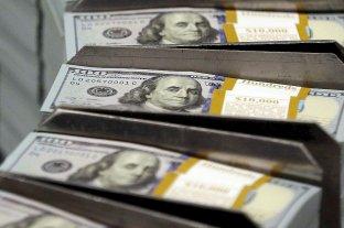 El dólar blue retrocede a $ 128 y el oficial cerró a $ 76,69