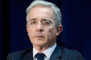 El expresidente colombiano Álvaro Uribe tiene coronavirus