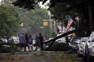 La tormenta Isaías dejó al menos cinco muertos tras su paso por Estados Unidos