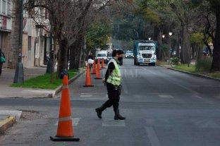 Con conos naranjas e inspectores, buscan desalentar el estacionamiento en bulevar  -  -