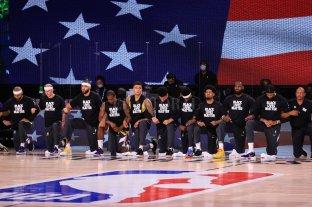 """NBA: Trump consideró """"vergonzoso"""" que se arrodillen durante el himno"""