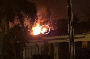Las llamas afectaron viviendas en Santo Tomé -  -