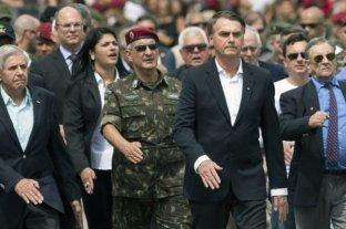 Bolsonaro dice que FFAA son la garantía de la libertad del pueblo