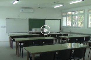 Los docentes privados santafesinos rechazan el bono y van al paro  -  -