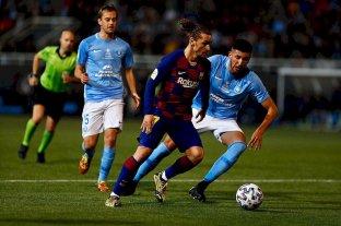 """Mariano Gómez: """"Ahora tengo cosas que no tenía cuando me fui""""  - Mariano Gómez en la marca de Antoine Griezmann, el día del partido que Barcelona le ganó 2 a 1 a Ibiza. Fue muy buena la actuación del jugador de Unión, cuyo futuro es incierto. -"""