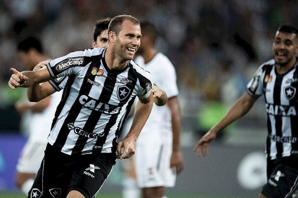 Joel Carli con la camiseta del Botafogo, que defendió durante cuatro años y se convirtió en un gran referente del popular club carioca. Crédito: Gentileza