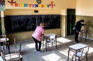 Más de 10.000 alumnos vuelven este lunes a las escuelas en 14 departamentos de San Juan -  -