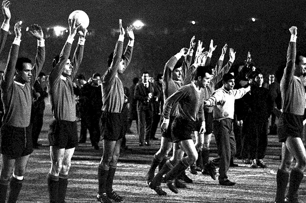 Una foto que se hizo común y que Independiente recuperó en estos tiempos, en honor a aquellos que comenzaron a escribir la historia. Crédito: Archivo